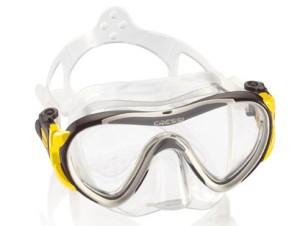 snorkel mask a vital part of snorkeling equipment